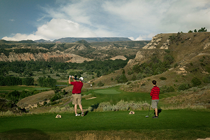 MEDORA, NORTH DAKOTA & BULLY PULPIT GOLF COURSE – Explore It. Adore It.